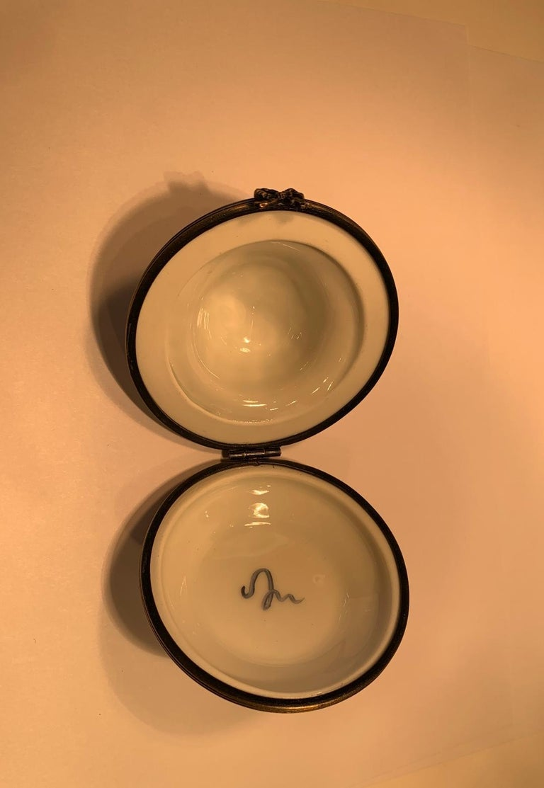 Very Pretty Limoges France Hand Painted Porcelain Hat Shaped Trinket Box For Sale 1