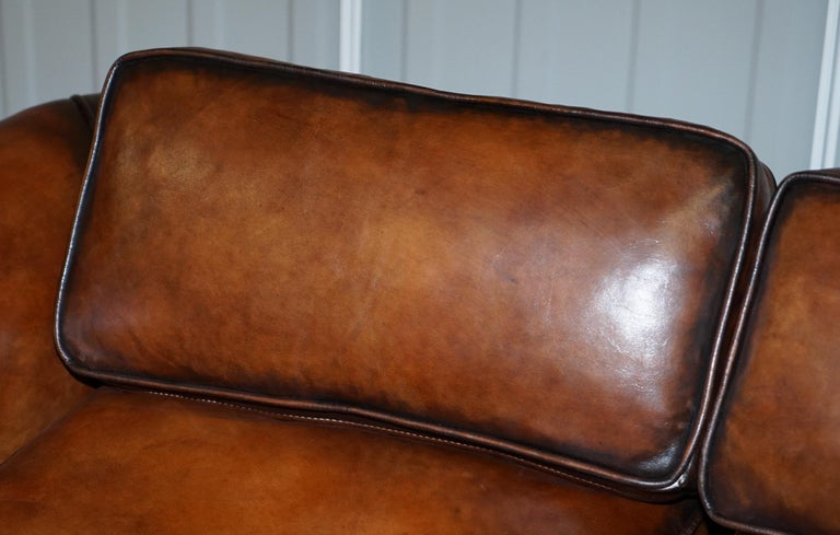 Very Rare Victorian Howard & Sons Fully Restored Brown Leather Sofa In Excellent Condition For Sale In London, GB