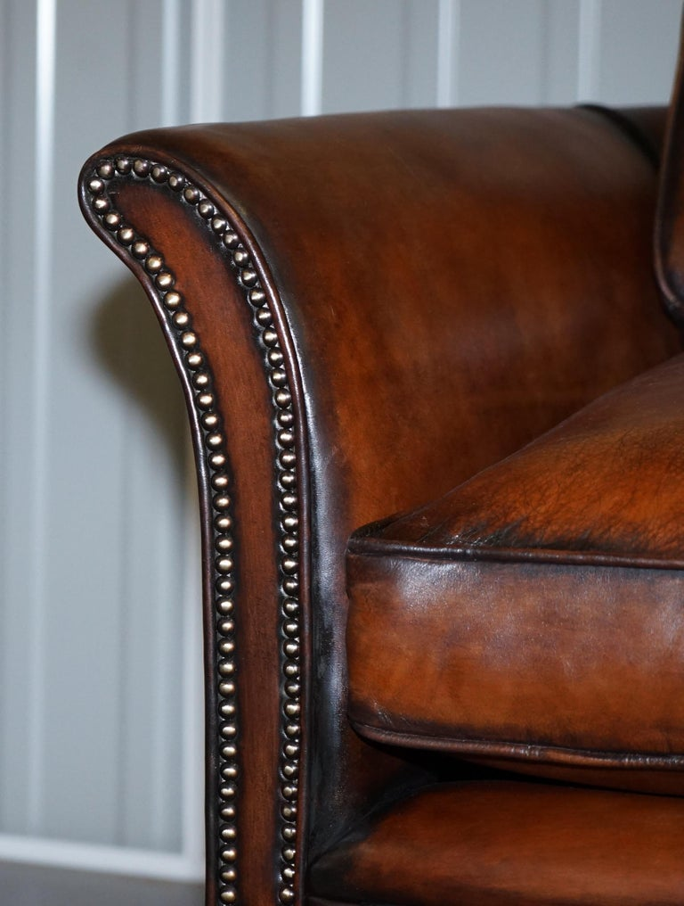 Very Rare Victorian Howard & Sons Fully Restored Brown Leather Sofa For Sale 2