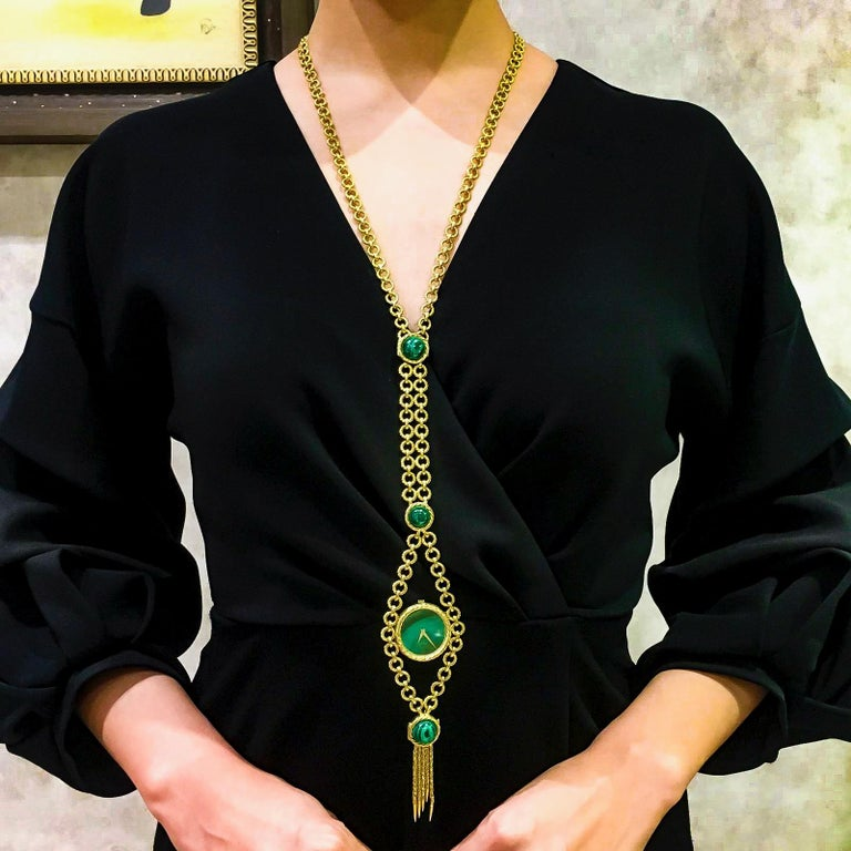 The present example is an extremely rare 18kt yellow gold Malachite Pendant watch which can be also be converted from a necklace into a bracelet to be worn as a malachite pendant watch. During the 1960s and 70s Piaget experimented with very unique