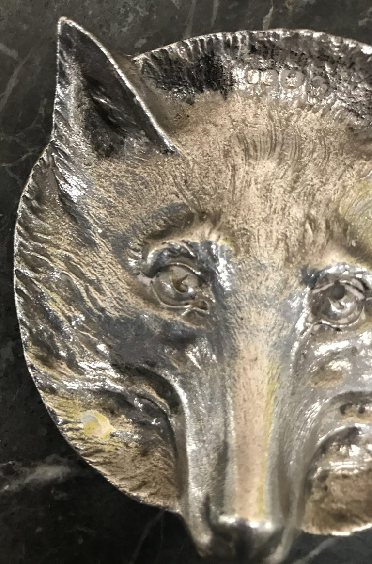We are delighted to this stunning solid sterling silver 1964 Asprey London foxes head pin tray  A very good looking and collectable piece, its fully hallmarked with the sideways facing lion for Sterling Silver, the Panthers head for London made,