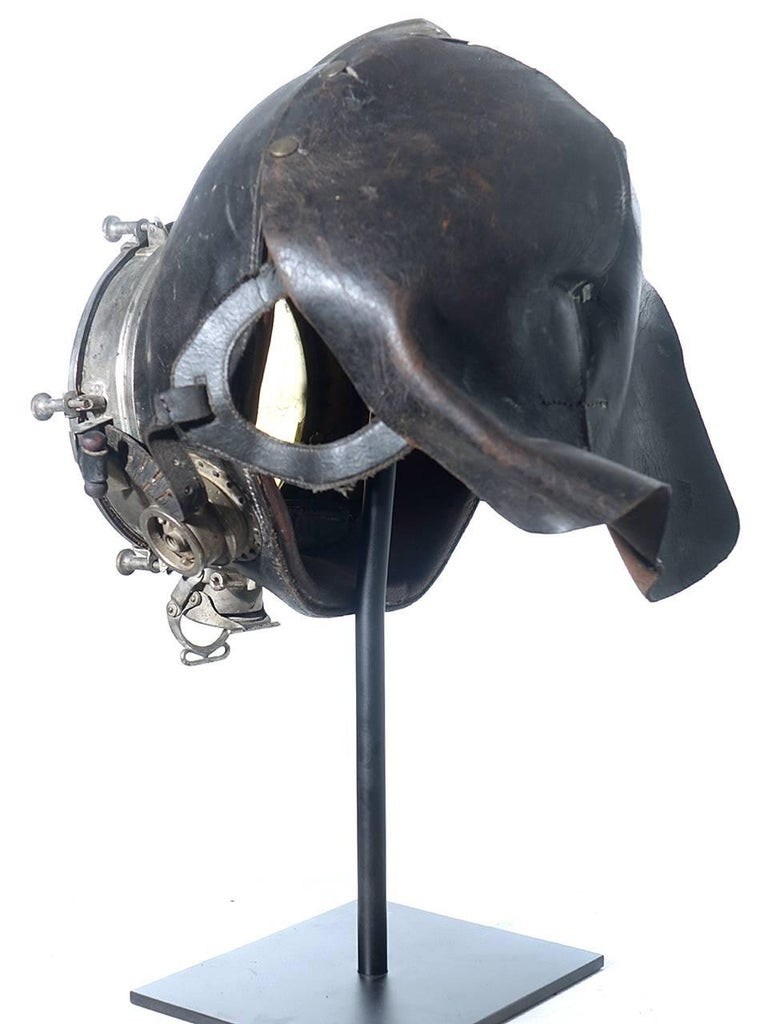 German Very Rare and Important 1910 Drager Smoke Mask For Sale