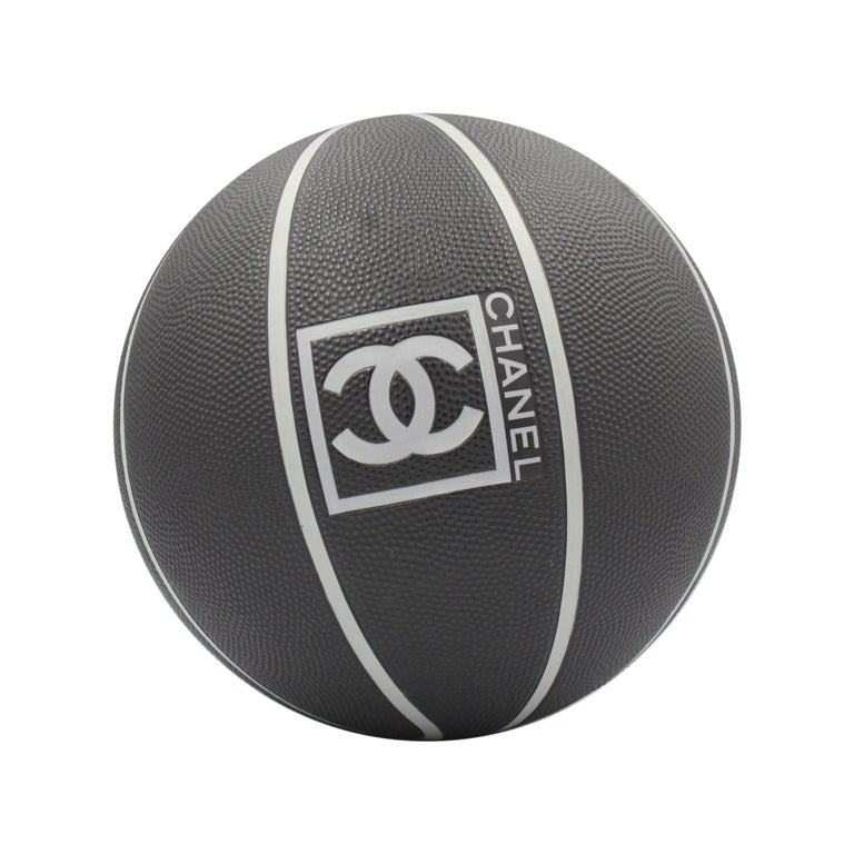 Very rare Chanel black basket ball  For Sale