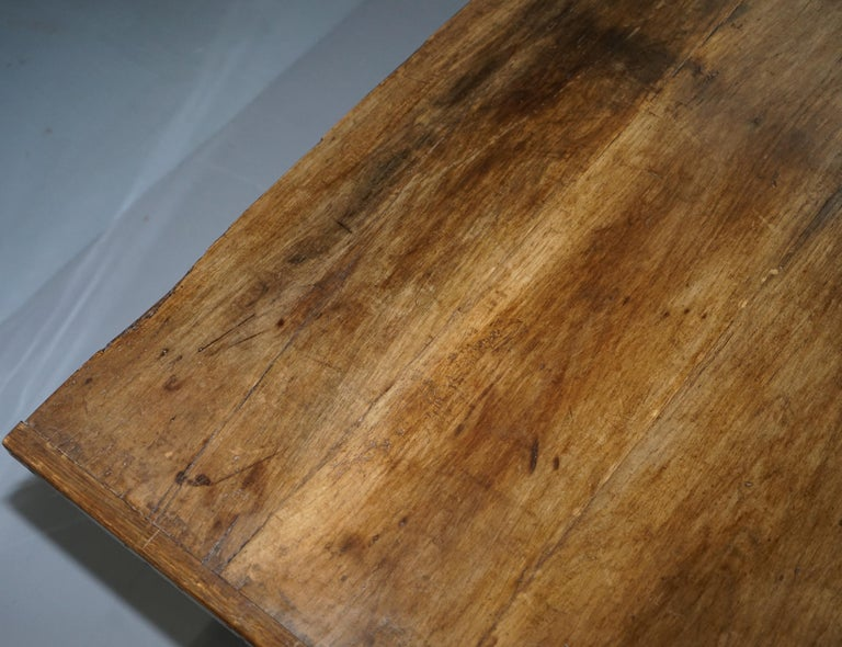 Very Rare Charles I 1630 Oak Refectory Dining Hall Table, Plaish Hall Shropshire In Good Condition For Sale In London, GB