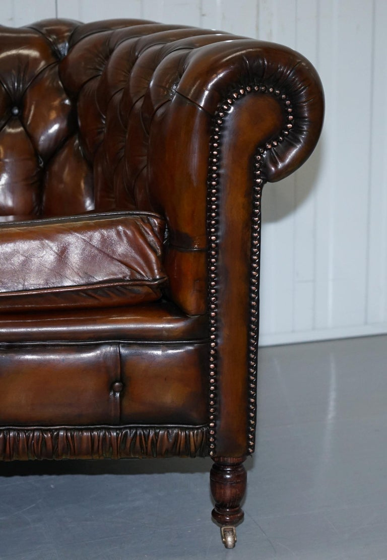 Very Rare Curved Front Fully Restored Cigar Brown Leather Chesterfield Club Sofa For Sale 5