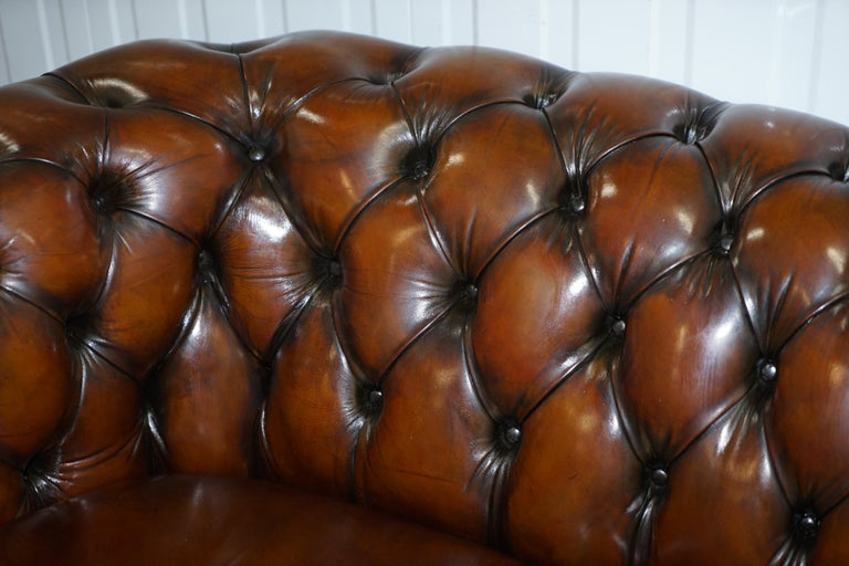 Very Rare Curved Front Fully Restored Cigar Brown Leather Chesterfield Club Sofa For Sale 7
