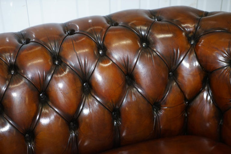 Very Rare Curved Front Fully Restored Cigar Brown Leather Chesterfield Club Sofa For Sale 8
