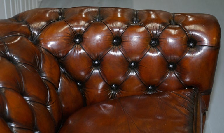 Very Rare Curved Front Fully Restored Cigar Brown Leather Chesterfield Club Sofa For Sale 9