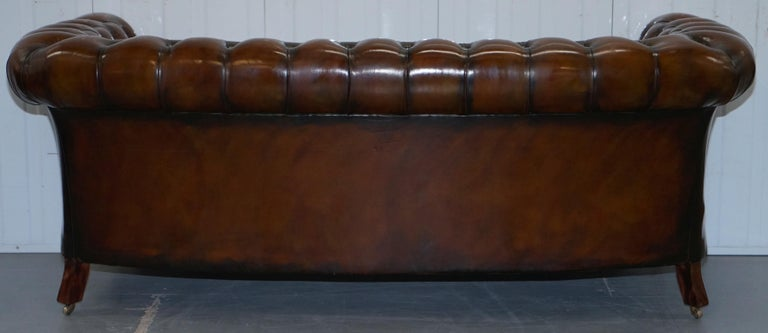 Very Rare Curved Front Fully Restored Cigar Brown Leather Chesterfield Club Sofa For Sale 13