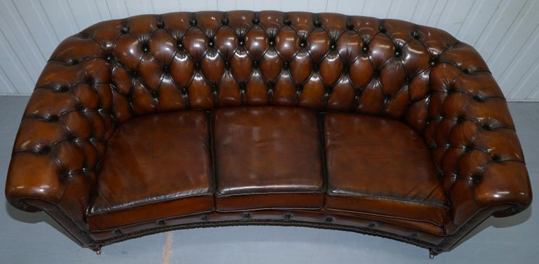 Hand-Crafted Very Rare Curved Front Fully Restored Cigar Brown Leather Chesterfield Club Sofa For Sale