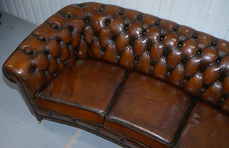 Very Rare Curved Front Fully Restored Cigar Brown Leather Chesterfield Club Sofa In Excellent Condition For Sale In London, GB