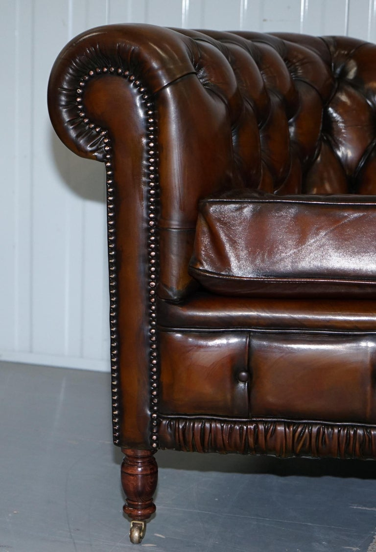 Very Rare Curved Front Fully Restored Cigar Brown Leather Chesterfield Club Sofa For Sale 2