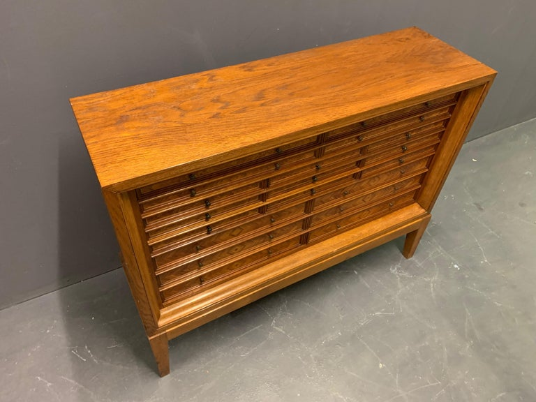 By unknown cabinetmaker. Oak and walnut veneer with various drawers. All lined with velvet.