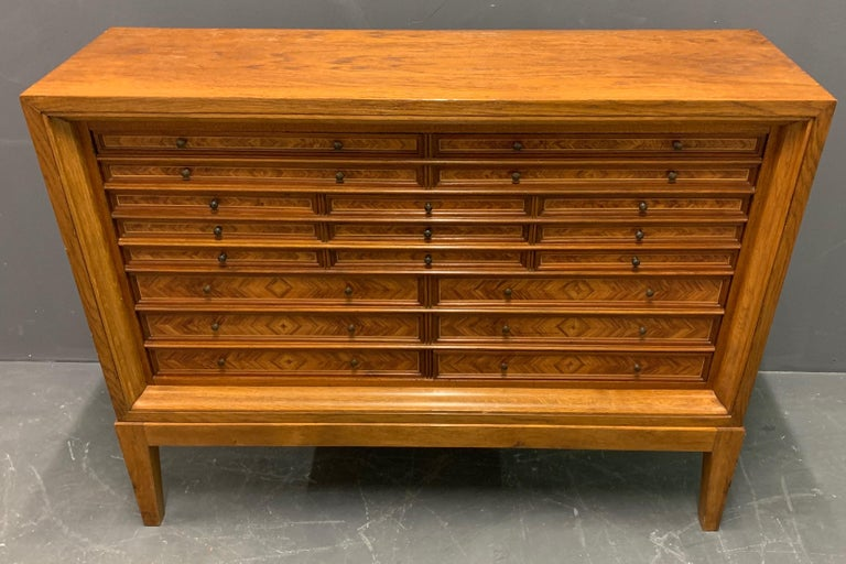 Very Rare Custom Made Collectors Cabinet In Good Condition For Sale In Munich, DE