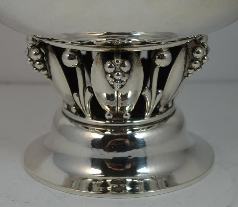 Very Rare Georg Jensen 197B Sterling Silver Bowl Dish In Excellent Condition For Sale In St Helens, GB