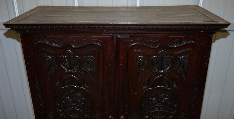 Very Rare Hand Carved Edward & Roberts circa 1880 Armoire Wardrobe with Drawers In Fair Condition For Sale In London, GB