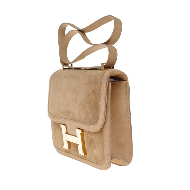VERY RARE Hermes Constance  DOBLIS shoulder bag in sand color & Gold hardware! In Good Condition For Sale In Paris, Paris