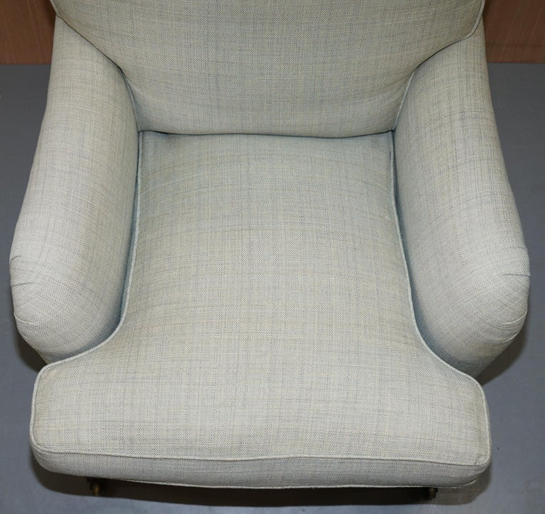 Very Rare Howard & Son's Fully Stamped Bridgewater Armchair & Footstool Ottoman In Good Condition For Sale In London, GB