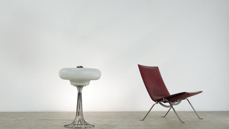 Very rare Verner Panton wire floor and table lamp for Fritz Hansen.