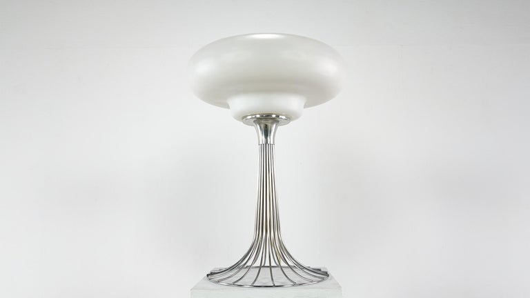 Very Rare Verner Panton Wire Floor and Table Lamp for Fritz Hansen In Good Condition For Sale In Munster, NRW