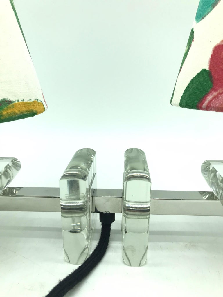 Mid-20th Century Very Stylish French Art Deco Table Lamp in Glass For Sale