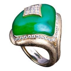 Veschetti 18 Karat Yellow Gold, Jade and Diamond Ring