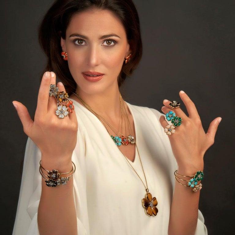 Contemporary Veschetti 18 Karat Yellow Gold Skin Angel Coral Diamond Necklace For Sale