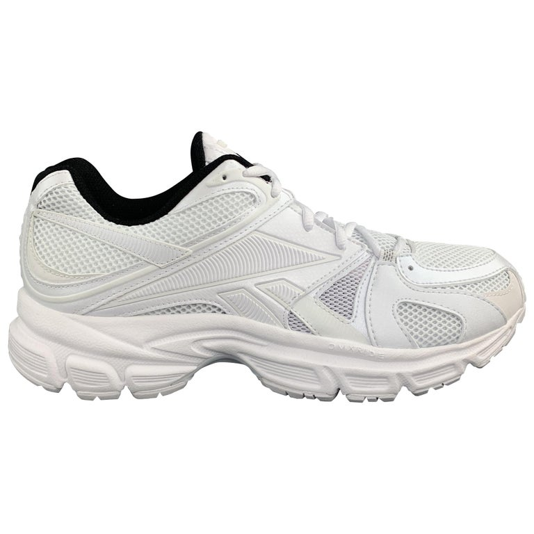 VETEMENTS x REEBOK Spike Runner 200 Size 9 White Nylon Lace Up Sneakers For Sale