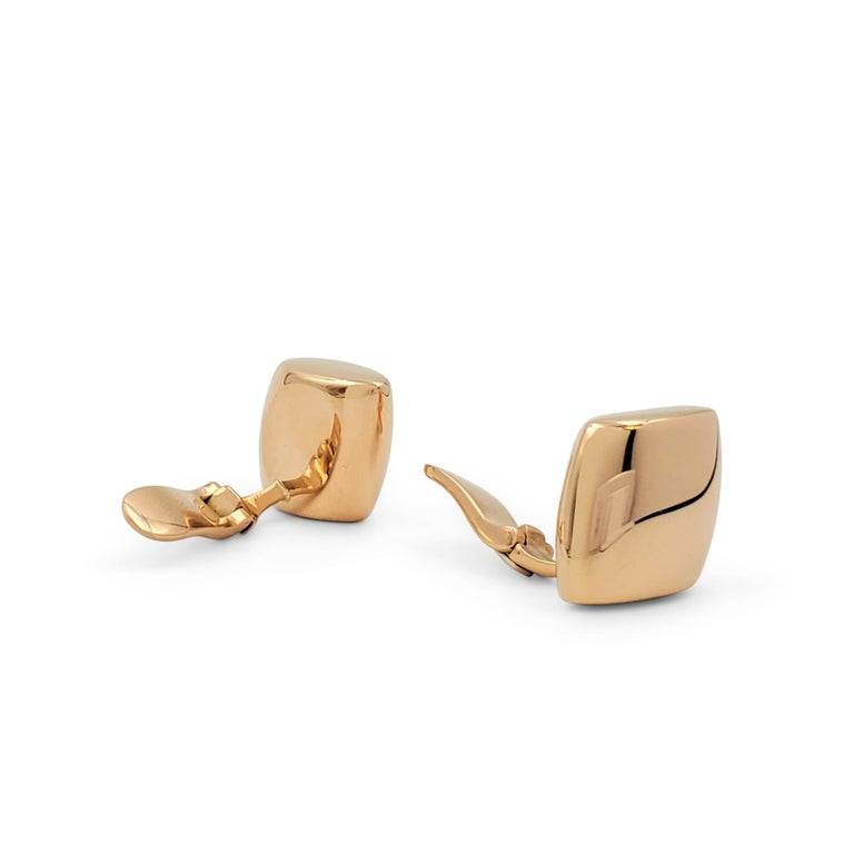 Vhernier 'Plateau' Rose Gold Large Clip-On Earrings In Excellent Condition For Sale In New York, NY