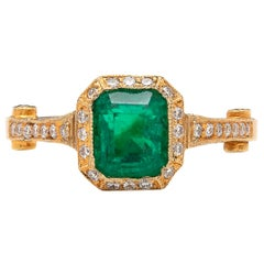 Vibrant Colombian Emerald Diamond Ring