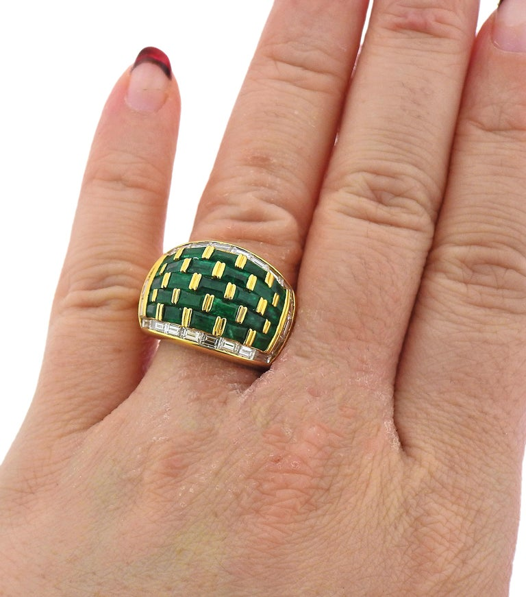 Vibrant Emerald and Diamond Yellow Gold Dome Ring In Excellent Condition For Sale In New York, NY