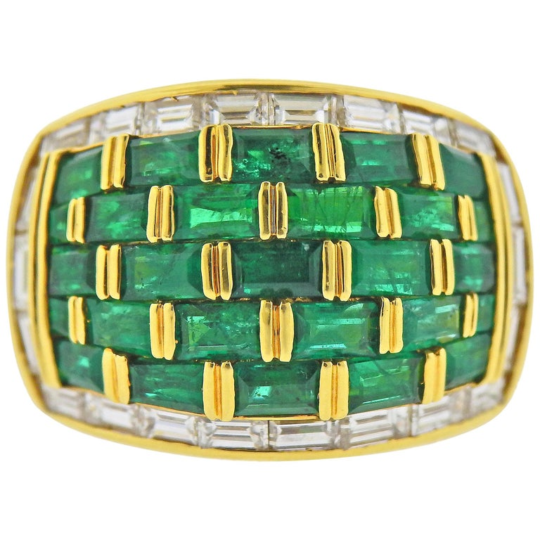 Vibrant Emerald and Diamond Yellow Gold Dome Ring For Sale