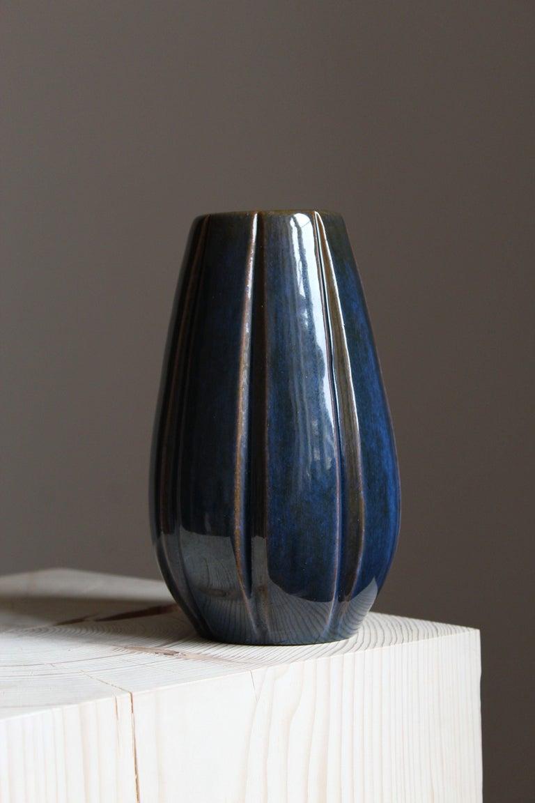 Organic Modern Vicke Lindstrand, Vase, Glazed Stoneware, Upsala-Ekeby, Sweden, 1940s