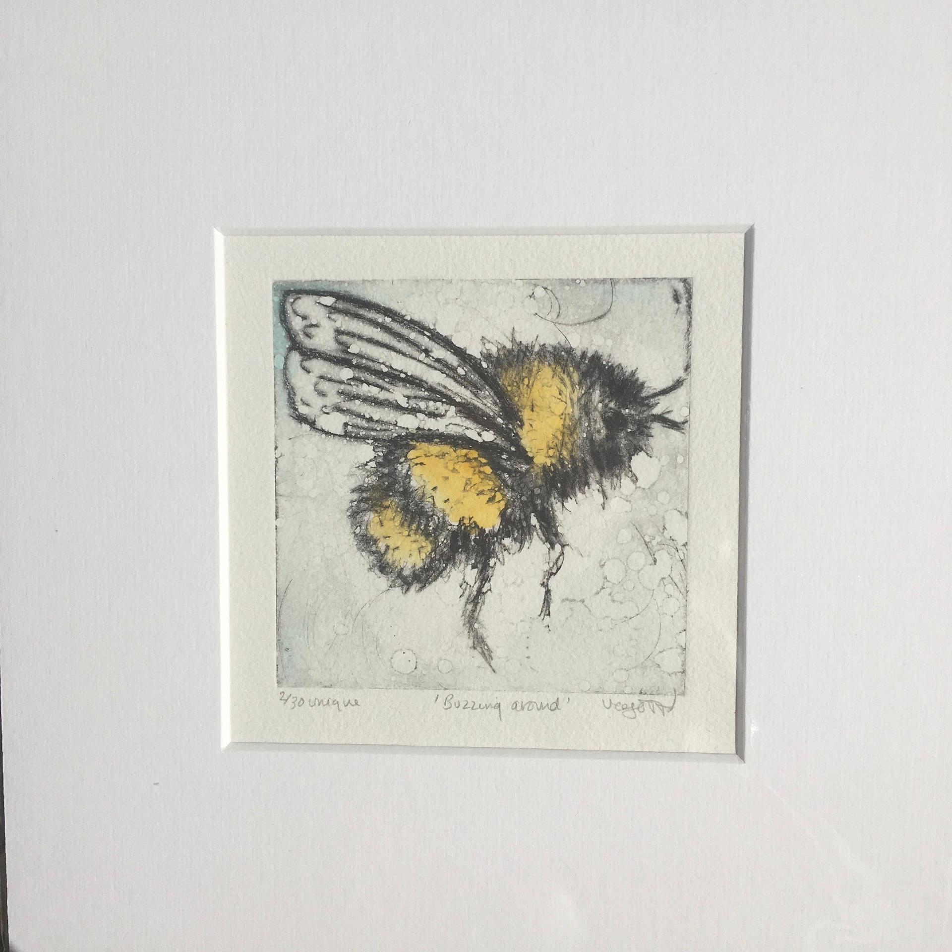 Vicky Oldfield, Buzzing Around, Animal Art, Contemporary Collograph Print