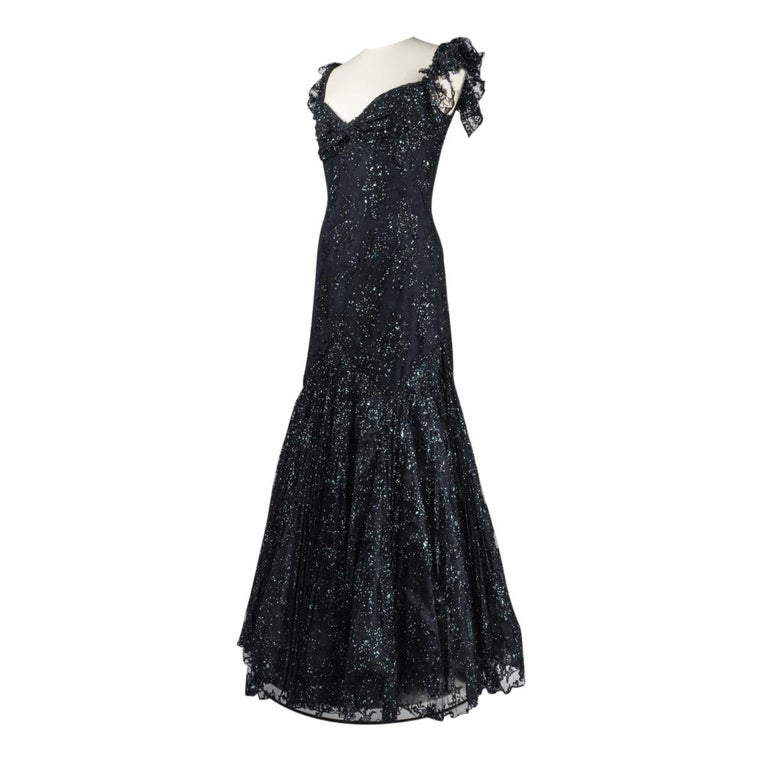 Black Vicky Tiel Couture Gown Navy Lace Embellished Overlay Full Length FIts 8 to 10 For Sale