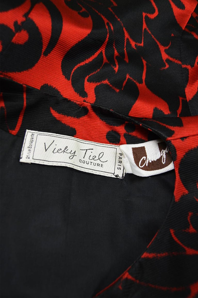 Vicky Tiel Couture Vintage Red & Black Fitted Damask Pattern Jacket, 1980s For Sale 3