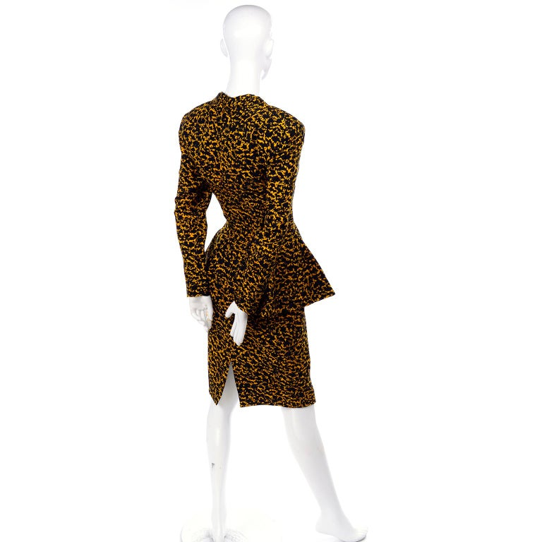 Vicky Tiel Peplum Top & Skirt Dress / Suit in Yellow & Black Abstract Silk Print For Sale 1