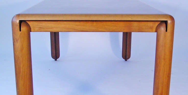 Vico Magistretti 781 Dining Table For Cassina, Italy 1967 In Good Condition For Sale In Milan, IT