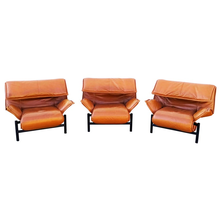 "Vico Magistretti Leather Lounge Armchairs ""Veranda"" for Cassina, Italy, 1983 For Sale"