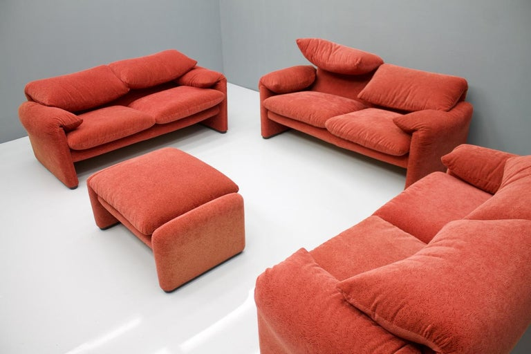 Mid-Century Modern Vico Magistretti Living Room Set Maralunga Sofa and Stool Cassina, Italy, 1973 For Sale