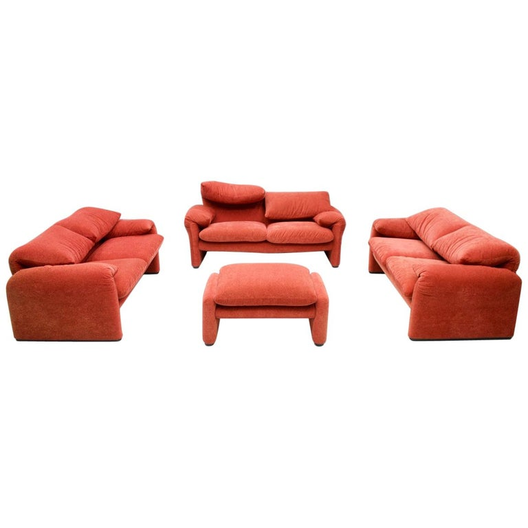 Vico Magistretti Living Room Set Maralunga Sofa and Stool Cassina, Italy, 1973 For Sale