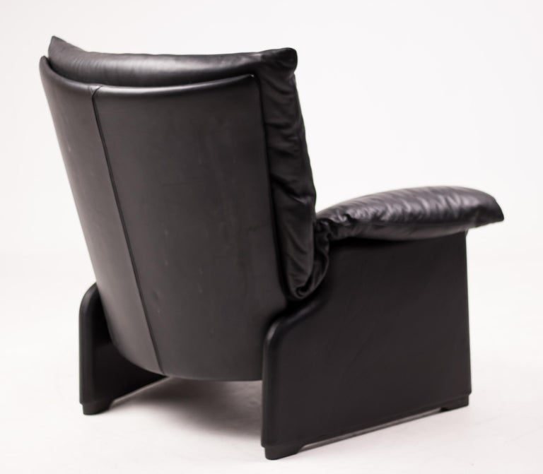 Modern Vico Magistretti Lounge Chair for Cassina For Sale