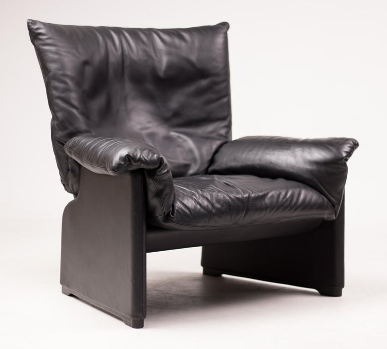 Vico Magistretti Lounge Chair for Cassina For Sale 1