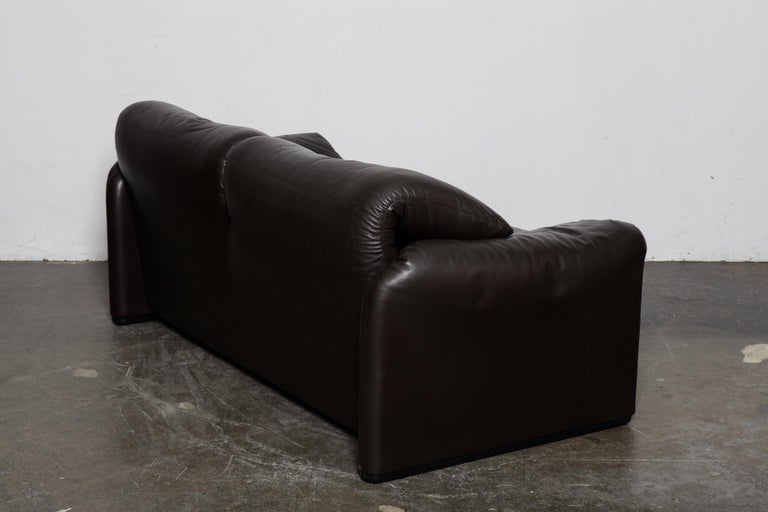 Mid-Century Modern Vico Magistretti 'Maralunga' Brown Leather Sofa for Cassina, 1973, Italy For Sale