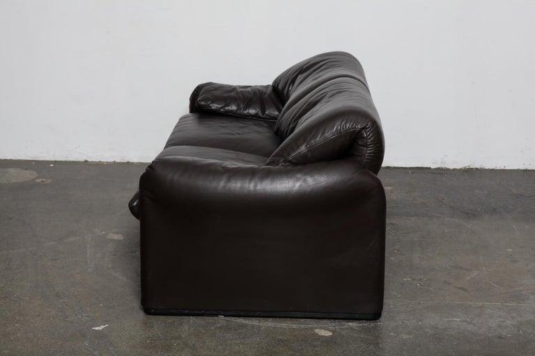Late 20th Century Vico Magistretti 'Maralunga' Brown Leather Sofa for Cassina, 1973, Italy For Sale