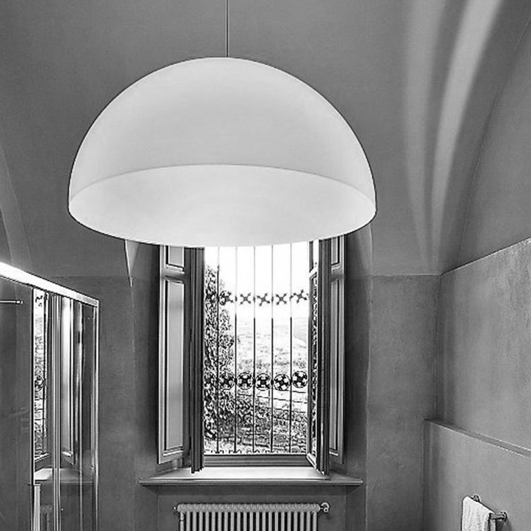 Mid-Century Modern Vico Magistretti Suspension Lamp 'Sonora' 493 Opaline by Oluce For Sale