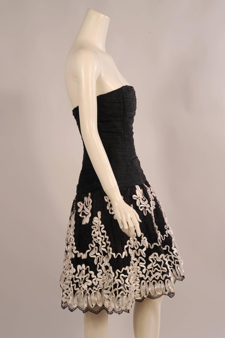 Victor Costa Strapless Black Cocktail Dress with White Satin Ribbon Trim In Excellent Condition For Sale In New Hope, PA