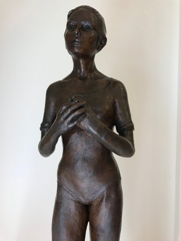 Bronze ballet dancer by  Mexican artist Victor Manuel Villarreal, circa 1985. Signed at base.   Victor Villareal Mexican Artist: b. 1944. Born in 1944, known as the Sculptor of Ballerinas, Victor Manuel Villarreal de la Vega's vocation as a sculptor