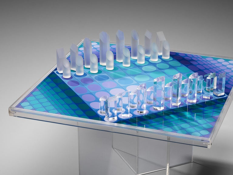 Victor Vasarely Artistic Chess Set, 1979 For Sale 4