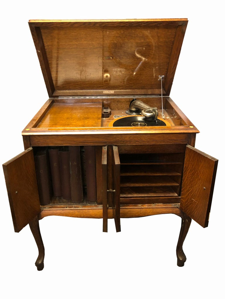 Victor Victrola Model Vv S 215 In Mahogany Cabinet In Working